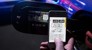 mercedes-benz-Qr-codes-that-save-lives